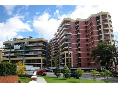 Room available in a Modern 2 bedroom appartment in strathfield.