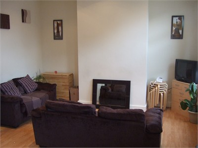 Houseshare in Kirkstall - £70 per week including all bills!