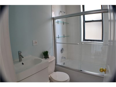 Great location!! Clean, private, happy home!!  Learn English!!