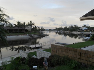 LOCATION LOCATION Broadbeach Waters Waterfront canal views
