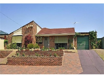 Craigie - close to beach, shopping centre and public transport