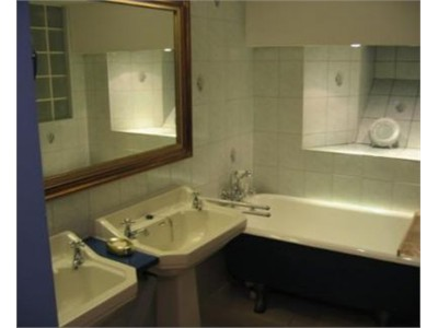 Nice Room Available For rent