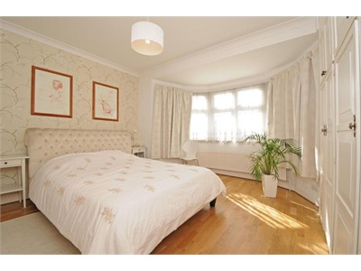 This double room comes fully furnished interested guest contact asap!