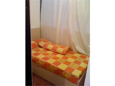 $8000 Comfy & Friendly SHAREFLAT just a minute walk to MTR. . .. (Cent