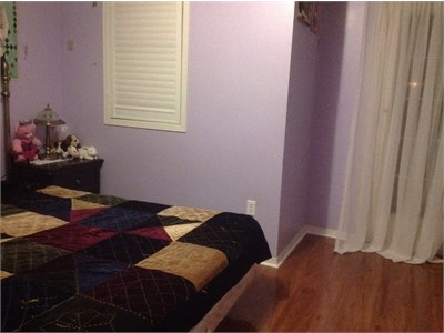 Room for rent available near GO Station (females only)