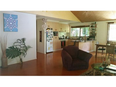 Single room in beautiful peaceful home with pool in nature reserve