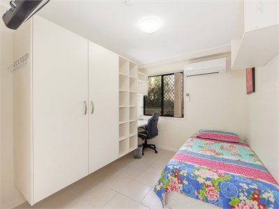 Close to UQ Clinical School, Ipswich Hospital and USQ - bills included