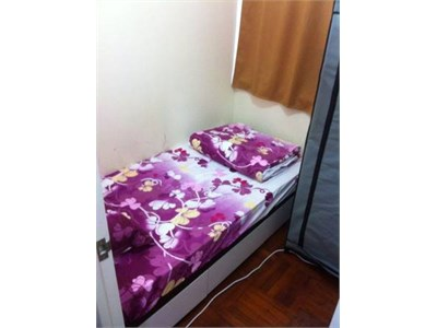 Mid Levels, Hong Kong..central room available…