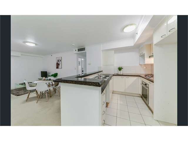 Share a Security furnished Sydney City Apartment